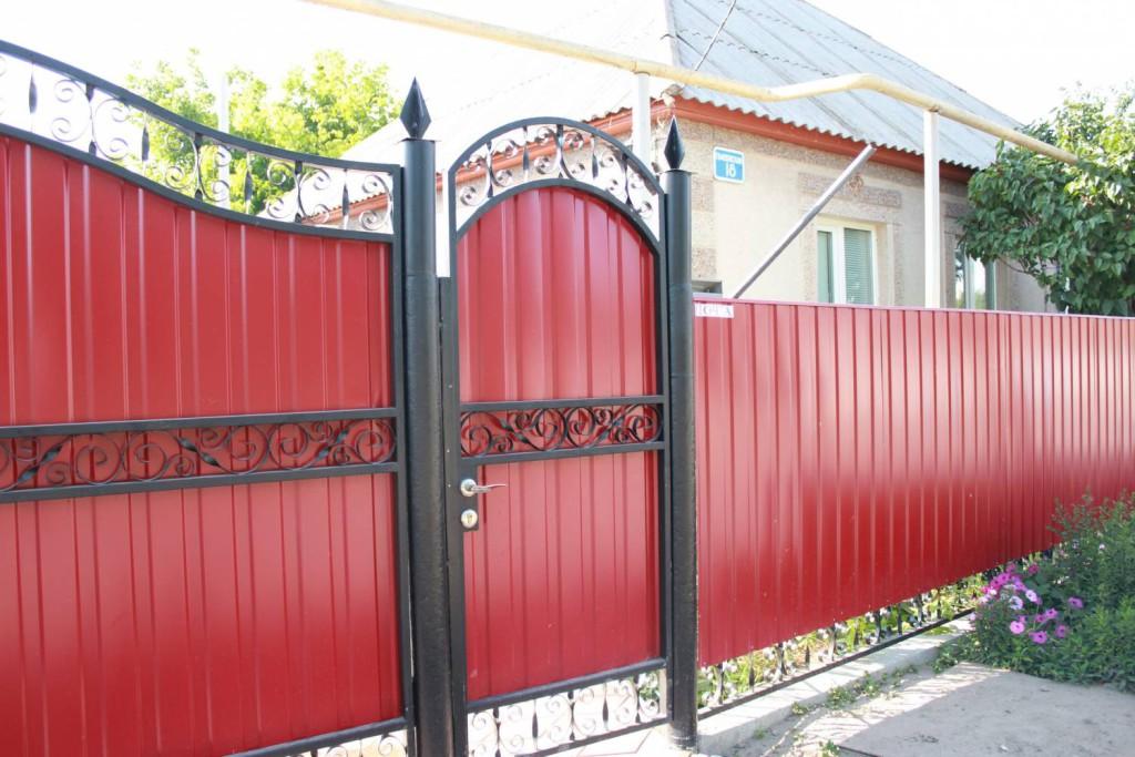 ворота и калитки из профнастила с элементами ковки в брянске фото цена