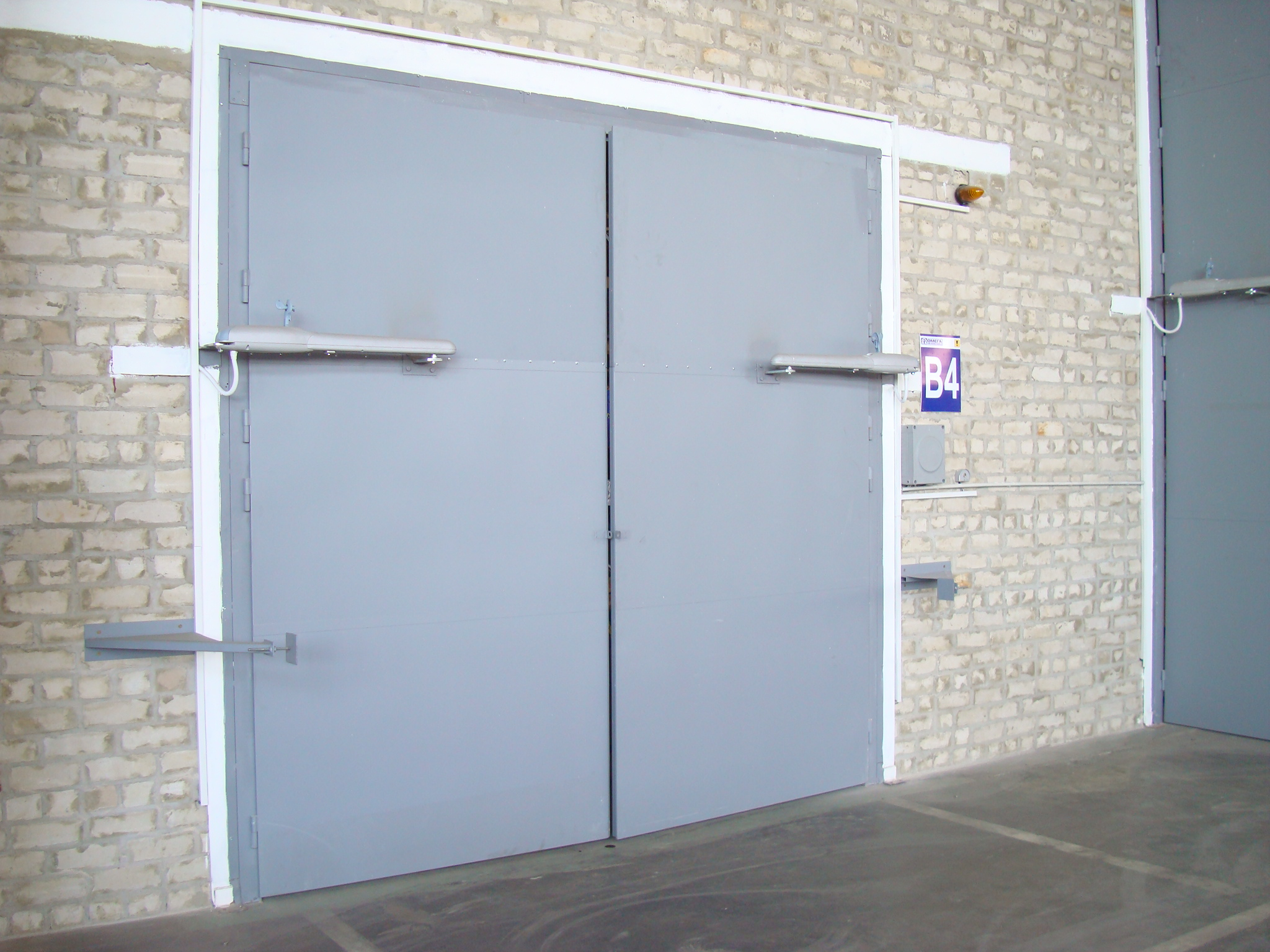 Купить ворота на гараж с автоматикой